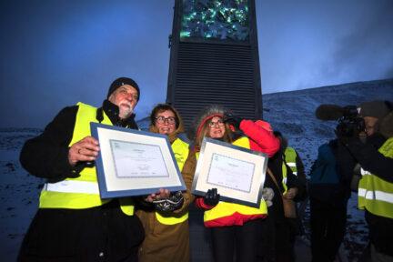 Norwegian Minister Olaug Vervik Bollestad and Slovakian Minister Gabriela Matecna depositing the first box of Slovakian seeds into Svalbard Global Seed Vault.