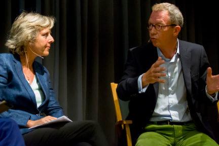 Connie Hedegaard og Idar Kreutzer i Regjeringens ekspertutvalg for grønn konkurransekraft har bedt Avfall Norge utarbeide et veikart for sirkulær økonomi. Foto: Anne Elisabeth Scheen, Klima- og miljødepartementet.